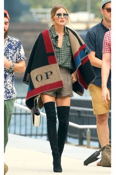I know this should be about the shawl .. but those BOOTS!!!