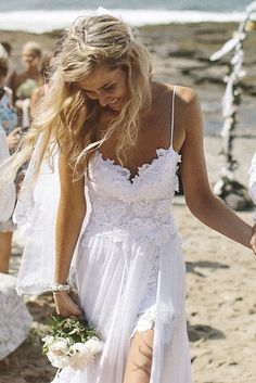 Or go for a stand out and daring beach boho look. | All The Boho Wedding Inspiration You Could Possibly Need