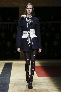 Prada F/W 2016.17 Milan - the Fashion Spot