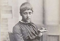 A teenage Beatrix Potter and her pet mouse, Xarifa, in 1885. Tales Of Beatrix Potter, Scientific Drawing, Peter Rabbit And Friends, Book Authors, Books, Pet Mice, Picture Letters, Victoria And Albert Museum, Teen