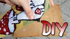 DIY - How to make embroidered patches / Como hacer parches bordados | Craft Attack