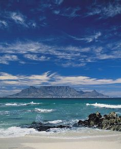 Table Mountain from Bloubergstrand, Cape Town, South Africa Places To Travel, Places To Visit, Le Cap, Cape Town South Africa, Out Of Africa, To Infinity And Beyond, Africa Travel, Beautiful Beaches, Beautiful World
