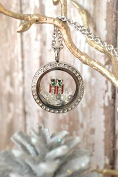 """South Hill Designs Christmas charms! Please LIKE my page on Facebook for other locket ideas, as well as special promotions. https://www.facebook.com/bellaslocketjewelry. Create your own """"STORY"""" today..."""