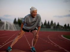 Joy Johnson, 81 of San Jose, Calif., retained her championship in the women's 80-90-year-old division of the ING New York City Marathon Sunday.