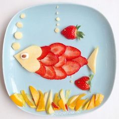 If they don't like strawberries, try cutting them super thin and make them a fish! Kids plate art, fun with food, fun food art for kids Food Art For Kids, Cooking With Kids, Fruit Art Kids, Kids Food Crafts, Children Food, Fun Fruit, Children Health, Cute Food, Good Food