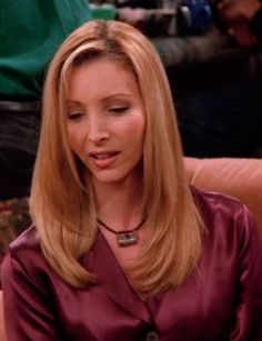 Friends Phoebe, Friends Tv Show, Phoebe Buffay, Hairstyles Haircuts, Straight Hairstyles, Short Hair Cuts, Short Hair Styles, Jennifer Aniston Pictures, Blonde Hair Looks
