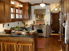 HGTVRemodels shows you peninsula kitchen layouts and designs with pictures to inspire your own kitchen renovation.