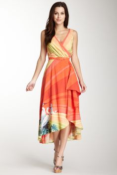 Eva Franco  Camille Dress Great Dress to wear for Pear Shapped women, belt to show off waist, V neckline, flowing at the hips