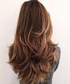 geschichtete Haarschnitte für dickes Haar