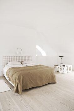 my scandinavian home: Renovated vicarage in Southern Sweden Dream Bedroom, Home Bedroom, Bedroom Decor, Calm Bedroom, Bedroom Corner, Bedrooms, Interior Design Inspiration, Home Decor Inspiration, Sweden House