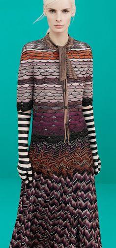 Missoni Pre-Fall 2014 Fashion Show Knitwear Fashion, Knit Fashion, Love Fashion, Fashion Show, Fashion Design, Couture Mode, Couture Fashion, Runway Fashion, Womens Fashion