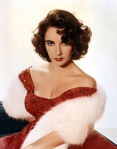20 Rare Vintage Photos of The Gorgeous Elizabeth Taylor From Early Days To Hollywood Diva