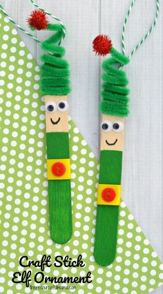Kids will love creating this fun craft stick elf ornament from a craft stick and pipe cleaner to hang on the Christmas tree. Kids will love creating this fun craft stick elf ornament from a craft stick and pipe cleaner to hang on the Christmas tree. Kids Crafts, Craft Stick Crafts, Preschool Crafts, Craft Projects, Craft Ideas, Craft Sticks, Arts & Crafts, Easy Crafts, Plate Crafts