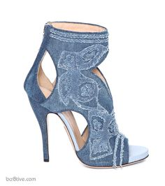 Ermanno Scervino Denim Shoes Really beautiful shoes Bootie Boots, Shoe Boots, Ankle Boots, Hot Shoes, Shoes Heels, Denim Shoes, Denim Sandals, Heeled Sandals, Ermanno Scervino