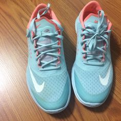 Nike FS lite run 2 Pale blue and oral Nike shoes. Great condition used few times. Nike Shoes Athletic Shoes