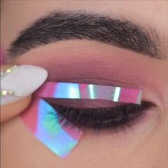 Pop of glitter✨ Yay or Nay?💜 What's Makeup ? What is Makeup ? Generally, what is makeup ? Makeup Trends, Makeup Inspo, Makeup Inspiration, Beauty Makeup, Face Makeup, Eyeshadow Looks, Eyeshadow Makeup, What Is Makeup, Make Up Looks