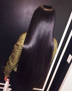 """743 Likes, 31 Comments - ⠀⠀⠀⠀⠀⠀⠀⠀⠀✂️Hair Goddess✂️ (@_nikkinicolee) on Instagram: """" I can silk the hell of out some weave. It's just too easy  #linkinbio  #colorsewin…"""""""