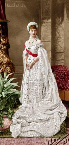 Grand Duchess Elizabeth Feodorovna of Russia, Grand Duchess Ella Alexandra Feodorovna, Russian Fashion, Royal Fashion, Tsar Nicolas Ii, Tsar Nicholas, Hesse, Court Dresses, Imperial Russia, Royal Jewels