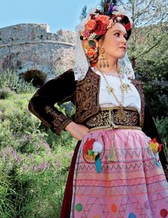 Post with 2401 votes and 134939 views. Shared by PastStuff. Folk costumes of Europe (women's edition) Greek Traditional Dress, Traditional Outfits, Corfu, Beauty Around The World, Exotic Beauties, Folk Costume, People Of The World, Dance Costumes, Lace Skirt