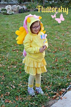 Fluttershy Halloween Costume {My Little Pony} - adapt for Rainbow Dash Clever Halloween Costumes, Pretty Halloween, Halloween 2015, Diy Costumes, Halloween Kids, Happy Halloween, Costume Ideas, Pinkie Pie Costume, My Little Pony Costume