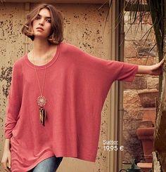 las prendas grandes y largas también forman parte del estilo bohemio y soñador, como los ponchos