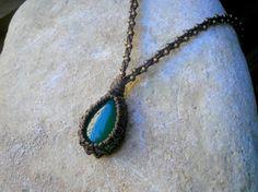 Collier pierre d'agate verte avec tresse marron et cuivrée