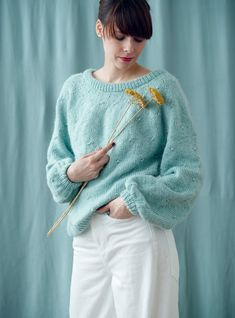 Poncho Sweater, Knitted Poncho, Knitting Patterns Free, Free Knitting, Mesh Backpack, Ladies Poncho, Trendy Girl, Neutral Outfit, Couture