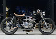 8negro: Suzuki GS550:: Kerkus Cycles.