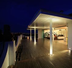 PPDG Penthouse by Hernandez Silva Arquitectos - Homes and Hues