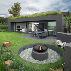 A Home That Really Fits In With Its Surroundings
