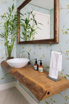 Rustic Bathroom Designs, Rustic Bathrooms, Wood Bathroom, Bathroom Design Small, Bathroom Interior Design, Toilette Design, Small Toilet Room, Upstairs Bathrooms, Bath Decor