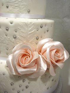 rose wedding cake #dental #poker