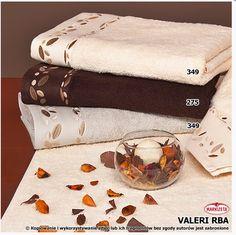 #ręczniki_bawełniane  Markowy ręcznik z wysokiej jakości materiału.  Ręcznik bardzo chłonny, szybko wysycha przeznaczony do aktywnego korzystania.  Ręcznik posiada naturalne właściwości antybakteryjne i antyalergiczne.   Kolor: kremowy (391)  Rozmiar: 50 x 90 cm - 18,40 zł 70 x 140 cm - 39 zł kasandra.com.pl