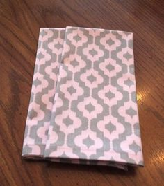 Items similar to Cloth Dinner Napkins - Pink and Gray Print - Eco Friendly - Handmade on Etsy Cloth Dinner Napkins, Pink Grey, Gray, Eco Friendly, Trending Outfits, Unique Jewelry, Handmade Gifts, Clothes, Vintage