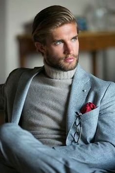the turtleneck Be Inspirational ❥ Mz. Manerz: Being well dressed is a beautiful form of confidence, happiness & politeness Sharp Dressed Man, Well Dressed Men, Fashion Mode, Mens Fashion, Fashion News, Stylish Men, Men Casual, Moda Do Momento, Moda Formal