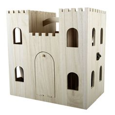 <div>This wooden castle dollhouse is a fun project in the making for you and your kids. The unfi...