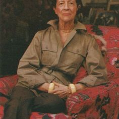"""In expectation of the new documentary Diana Vreeland: The Eye Has to Travel we revisit the New York apartment the Vogue editrix, which originally appeared in our September/October 1975 issue, affectionately described as a """"garden in hell"""" Diana Vreeland, Elsa Peretti, Carolina Herrera, Vogue, Karl Lagerfeld, Harper's Bazaar, Safari Chic, Valentino, Safari Jacket"""