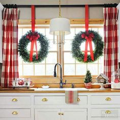 Adorable 41 Stunning Christmas Kitchen Decor Ideas That Looks Cool Merry Little Christmas, Christmas Home, Christmas Holidays, Christmas Crafts, Christmas Photos, Christmas Bells, Simple Christmas, Christmas Ideas, Farmhouse Christmas Decor