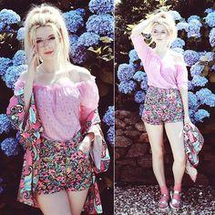 Kayla Hadlington - Missguided Kimono, Motel Rocks Shorts - IN MY FIELD OF PAPER FLOWERS