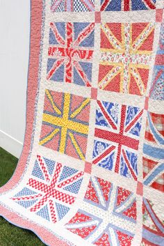 Diary of a Quilter - a quilt blog: Finished Union Jack Quilt WANT