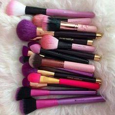 Cute Colorful MakeUp Brushes