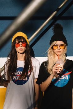 Girls style twins na