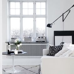 Black and white living room by bohemdeluxe - top 20 black and white décorating ideas to Home Interior, Interior Architecture, Interior Inspiration, Room Inspiration, Ideas Hogar, White Home Decor, Interior Stylist, Scandinavian Home, My New Room
