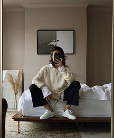 The beauty of classics is that there are endless ways to reinvent them, casual weekend outfit # Outfits femme Look Fashion, Korean Fashion, Winter Fashion, Fashion 2020, Men Fashion, Workwear Fashion, 2000s Fashion, College Fashion, French Fashion