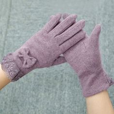 Pair of Chic Lace Edge and Small Bow Embellished Winter Gloves For Women Gloves | RoseGal.com