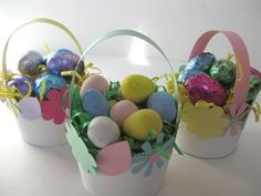 You and your kids will love making these adorable paper cup mini Easter baskets just as much as you enjoy sharing them.