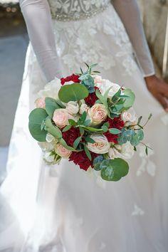 #stylemepretty #bridebouquet #weddingflowers #florist #floraldesign #flowerinspo