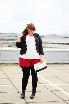 Plus Size Fashion - Plus Size Outfit - kathastrophal.de | Plus Size Outfit with Scallop Hem Shorts {What I Wore}