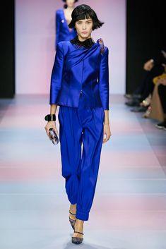Armani Privé Spring 2020 Couture Fashion Show Fashion 2020, Daily Fashion, Runway Fashion, Fashion Show, Fashion Weeks, London Fashion, Street Fashion, Fashion Suits, Fashion Fashion