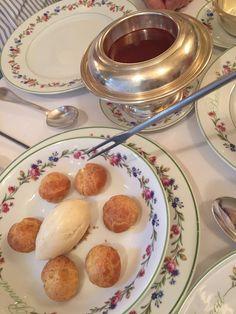 Restaurant 1 étoile d'Alain Ducasse, Benoit propose des plats traditionnels…